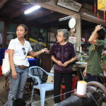 Meeting the locals on a walking Tour in Bangkok