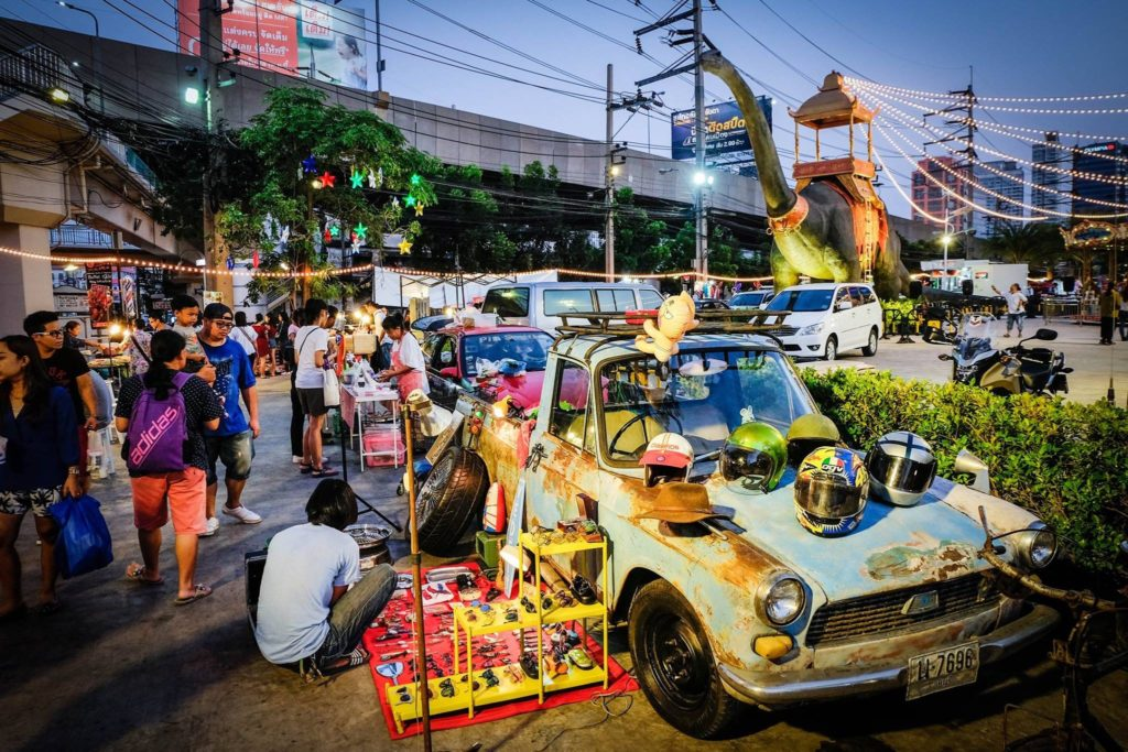 Suan Lum Ratchada night market in Bangkok, Thailand - photo by Suan Lum Night Bazaar Ratchadaphisek
