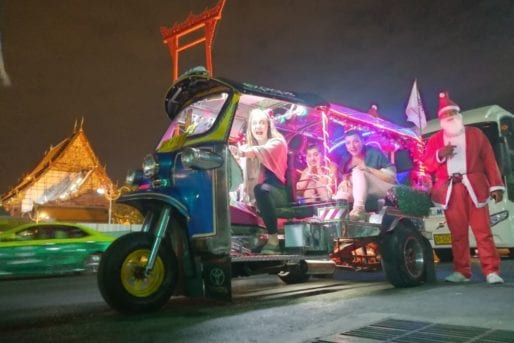 tuk tuk tour in bangkok at christmas